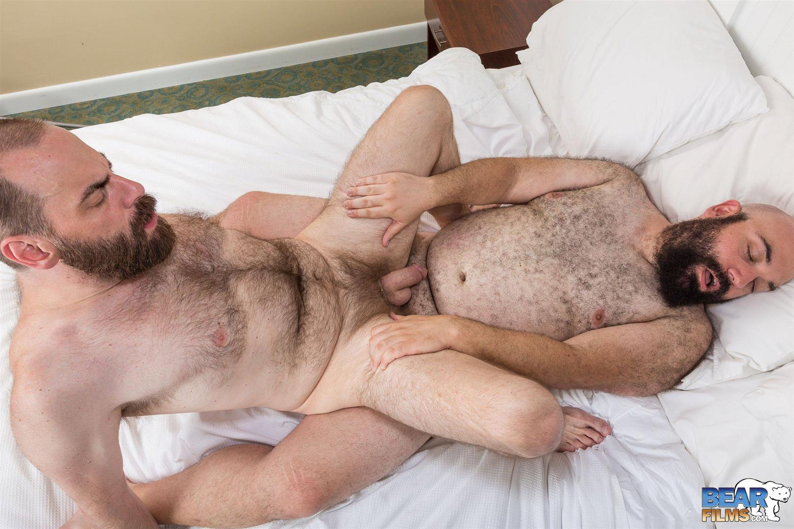 Bear-Films-Rock-Hunter-and-Steve-Sommers-Chub-Bears-Fucking-Bareback-Amateur-Gay-Porn-20 Husky Bears Fucking Bareback at Provincetown Bear Week